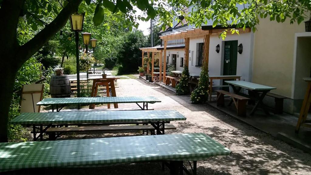 Buschenschank Gastgarten